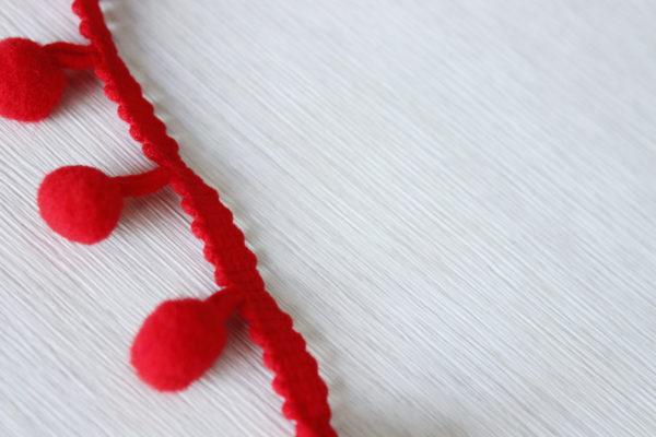 pom pom ribbon red